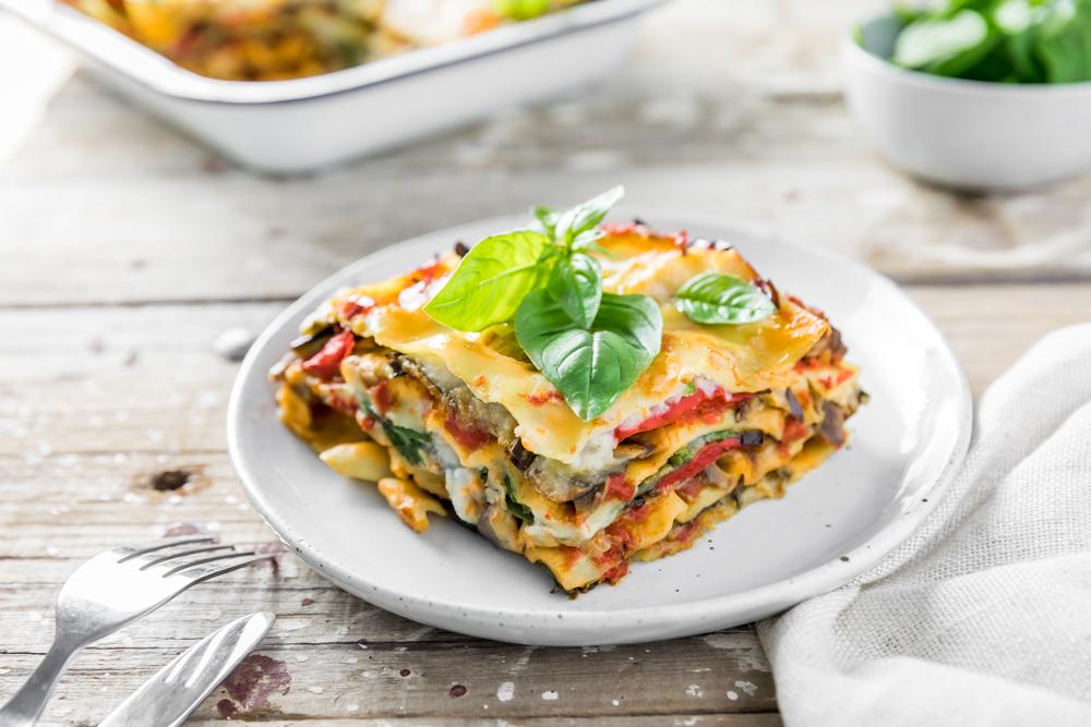 vegan lasagna recipe with cauliflower béchamel | www.curatedlifestudio.com