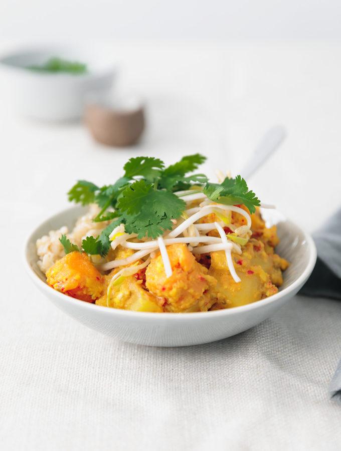 balinese turmeric & coconut #vegan curry | curatedlifestudio.com