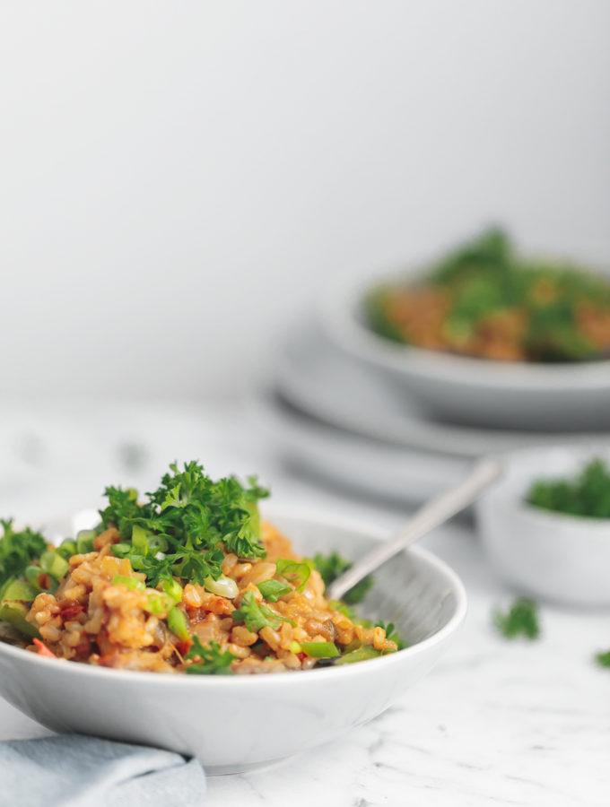 vegan brown rice and aubergine jambalaya | www.curatedlifestudio.com
